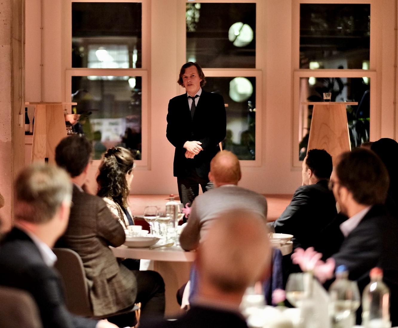 Patrick van IJzendoorn tijdens dinerbijeenkomst NDP Nieuwsmedia 2019